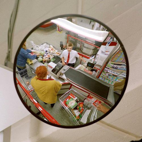 Сферическое зеркало на кассе